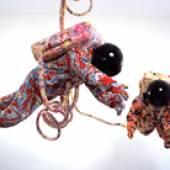 Yinka Shonibare MBE Space Walk, 2002 Baumwollgewebe mit Siebdruck, Fiberglas, Sperrholz, Vinyl, Kunststoff, Stahl, Astronauten je 212 x 63 x 56 cm Foto: Yinka Shonibare MBE, Courtesy Stephen Friedman Gallery, London, © 2018 ProLitteris, Zürich
