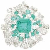 Los 1099 Bedeutende Smaragd-Brillant-Brosche 750/-WG, Julius Cohen New York, 20.Jh. Schätzpreis 40.000,- EUR