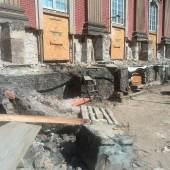 Das Sockelgeschoss im Theaterhof des Neuen Palais während der Bauarbeiten. Foto: SPSG/Zeymer
