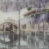 Tamamura Kōzaburō     Glyzinien beim Kameido-Schrein in Tokyo / »A499. Wysteria vine«, 2. Hälfte 19. Jh.     Albuminpapier, handkoloriert, 18,5 x 24,3 cm     Sammlung P.+R. Herzog, Basel  Utagawa Hiroshige Die See vor Satta in der Provinz Suruga (Suruga Satta kaijō), 1858 Aus der Serie «36 Ansichten des Berges Fuji» (Fuji sanjūrokkei)» Mehrfarbiger Holzschnitt, 36,9 x 25,1 cm Staatliche Museen zu Berlin, Museum für Asiatische Kunst, Foto: Courtesy Art Research Center Ritsumeikan University,