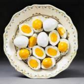 TROMPE-L'OEIL TELLER mit Eiern, Frankreich, mitte 18. Jh. CHF 4 000 – 6 000.