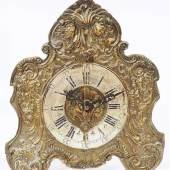 Tischzappler mit Vorderpendel. 18. Jahrhundert. Geschwungenes Messinggehäuse  Mindestpreis:300 EUR