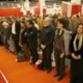7. Oktober 2006 - Die Frankfurter Buchmesse und ihre Gäste trauern um die unter ungeklärten Umständen getötete russische Reporterin Anna Politkowskaja © Frankfurter Buchmesse/Hirth