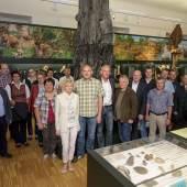Das Projektteam vor der Wasserfichte im Naturkundemuseum, Foto: UMJ / N. Lackner