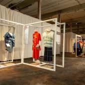 Blick in die Ausstellung use-less in der Spinnerei im TextilWerk Bocholt Foto: LWL / Betz