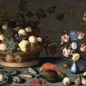 BALTHASAR VAN DER AST. Grosses Früchte- und Blumenstillleben. Um 1620. Öl auf Holz. 77 x 107 cm. CHF 850 000 - 1,2 Mio.