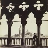 Carlo Naya (1816-1882) Blick auf San Giorgio von der Galerie des Dogenpalastes, um 1865 Albuminpapier © Bayerische Staatsgemäldesammlungen / Sammlung Dietmar
