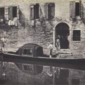 Domenico Bresolin (1813-1900) Gondel vor einer Hausfassade, um 1851/55 Albuminpapier © Bayerische Staatsgemäldesammlungen / Sammlung Dietmar Siegert