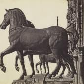 Domenico Bresolin (1813-1900) Die vier Rosse von San Marco, um 1851/55 Albuminpapier © Bayerische Staatsgemäldesammlungen / Sammlung Dietmar Siegert