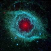INFRAROT-BILD DES HELIXNEBELS Spitzer Weltraumteleskop, 2007 © NASA/JPL-Caltech/University of Arizona