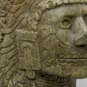 Gefäß mit Kopf der Pulque Göttin Mayahuel, Mexiko, Anfang 16. Jahrhundert, Grünstein
