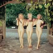 """Bildlegende: DIE DAMEN, """"Die Damen im Paradies"""", 1994. © DIE DAMEN, Foto: Michael Kammeter, VBK 2013"""