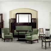 Auktion 79 Dez. 03: Jugendstil-Damenzimmer, Jugendstil-Damenzimmer, bestehend aus Sofa mit Spiegelumbau, Buffet, Tisch, 2 Polstersesseln, 2 Stühlen, Gondelstuhl und Rauchtischlein. Zuschlagspreis: 3800 Euro. (c) zeller.de