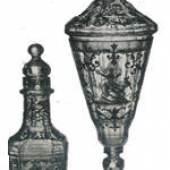 Deckelpokal und ein Flakons mit Schwarzlot- und Goldmalerei. Ignaz Preissler, Krontstadt (Kunstát) in Böhmen, 1725- 1730.