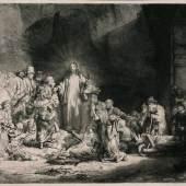 <p>Christus heilt die Kranken. - Genannt: Das Hundert- guldenblatt Radierung, 1649 . Bartsch, White-Boon 74 II. Seidlitz 74 II (von VI). Auf festem B&uuml;tten (mit Wz. &quot;Bekr&ouml;nte Stra&szlig;burger Lilie&quot; mit Nebenmarke; vgl. Heawood 1780f). 28,1 : 39,6 cm (11 : 15,5 in). Papier: 29,2 x 40,3 cm (11,4 x 15,8 in).<br /> Rembrandt, Harmensz. van Rijn 51 Auktion: Auktion 286 / Alte und Moderne Kunst/ Maritime Kunst am 26.03.2004 Erl&ouml;s: 69.000 EUR/ 83.490 USD Verkauft.<br /> Quelle: www.kettererkunst.de</p>