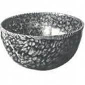 <p>Millefiorischälchen deren Herstellungsweise aus bunten Glasstäbchen deutlich zu erkennen ist. Alexandria, 1. Jh. nach Chr.</p>