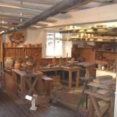<p>Keramikwerkstadt im Keramikmuseum Staufen. Bildmaterial: www.landesmuseum.de</p>