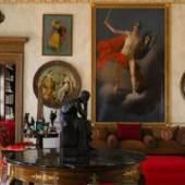 Treffen sich Kriegsgott und Denker: Antike und Klassizismus vereinte Gianni Versace in der Villa Fontanelle zu einem inspirierenden Ensemble. Bildmaterial: Mario Ciampi, Sotheby's
