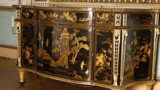 commode with chinese lacquer panels and english japanning attributed to chippendale in the state